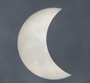 Részleges napfogyatkozás március 20-án - országszerte