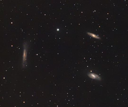 A Leo-trió: M65, M66, NGC 3628 Kovács Attila felvételén.