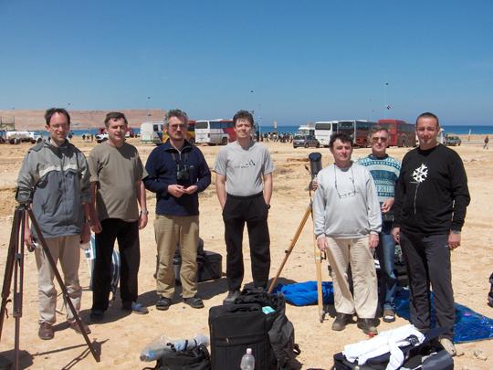 Helyi csoportunk tagjai Egyiptomban, a 2006. március 29-i teljes napfogyatkozás észlelésére szervezett észlelőtúrán.