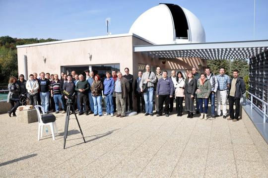 Az MCSE Változócsillag Szakcsoportja a Balaton Csillagvizsgálóban tartotta 2013. évi találkozóját. A csoportkép október 5-én készült.