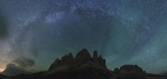 Légkörfény az Alpokban - Ladányi Tamás fotója 2012. szeptember 6-án lett APOD.
