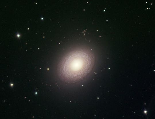 Az NGC 2775 egy 50 cm-es RC teleszkóppal fotózva (Jeff Newton/Adam lock/NOAO/AURA/NSF)