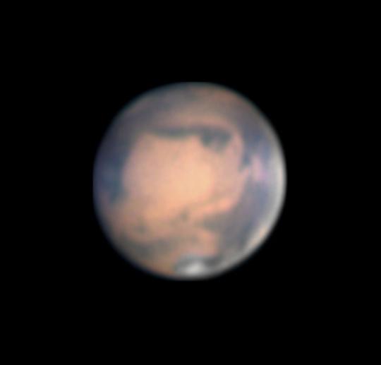 A Mars Michal Vajda március 14-i fotóján. A kép 300/1500-as Newtonnal, 3,8x-os fókusznyújtással, ASI 120MM kamerával, Astronomik CCD RGB szűrőszettel készült.