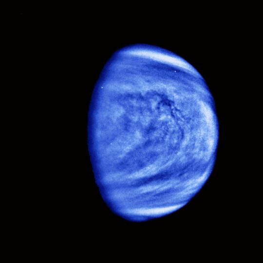 A Vénusz felhőzete Ultraibolya fényben a Galileo űrszonda felvételén 1990-ben.