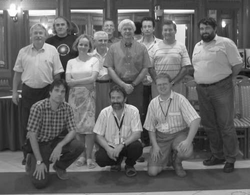 4. ábra. Magyar változóészlelők az AAVSO új igazgatója, Arne Henden (középen) társaságában (Pécs, 2005.09.09.)