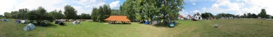 A táborhely július 25-én déltájban Mizser Attila felvételén.