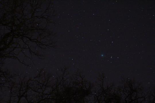 Az a kis kék folt a Lovejoy-üstökös (december 26-án).