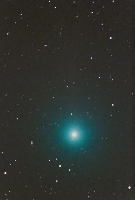 A Loveyoj-üstökös csóvája is kivehető ezen a nyúli felvételen.