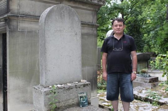 Kocsis Antal Párizsban, Charles Messier sírjánál.