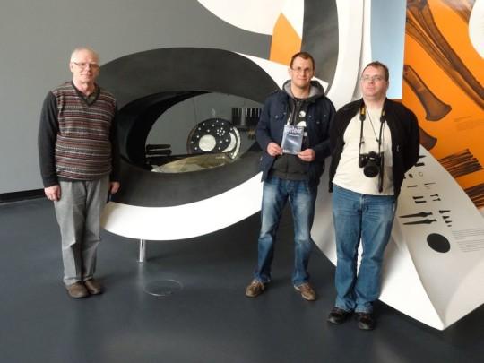 Harmatta János, Sánta Gábor és Molnár Péter a nebrai korong múzeumában (Németország).