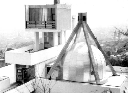 A pécsi planetárium épülete a 70-es években.