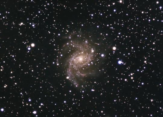 1Melyeg_T_th_201310031930_NGC6946___Fireworks_Galaxy___L_68109