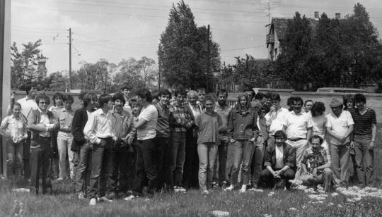 A tatai találkozó csoportképe, 1986. május 10. (Mizser Attila felvétele)