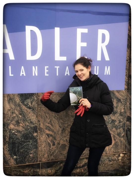 Cseh Klaudia az Adler Planetáriumnál (USA).