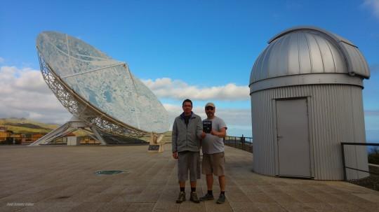 Bajmóczy György és Czinder Gábor Tenerifén, Santa Cruz város La Laguna városrészében, a  Cosmos múzeum teraszán.